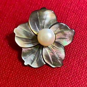 🖤MOP Plumeria pearl brooch